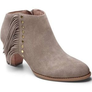 Vionic Faros griege suede fringes booties size 6
